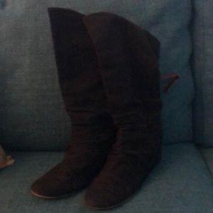 Hidden wedge black canvas Aldo boots